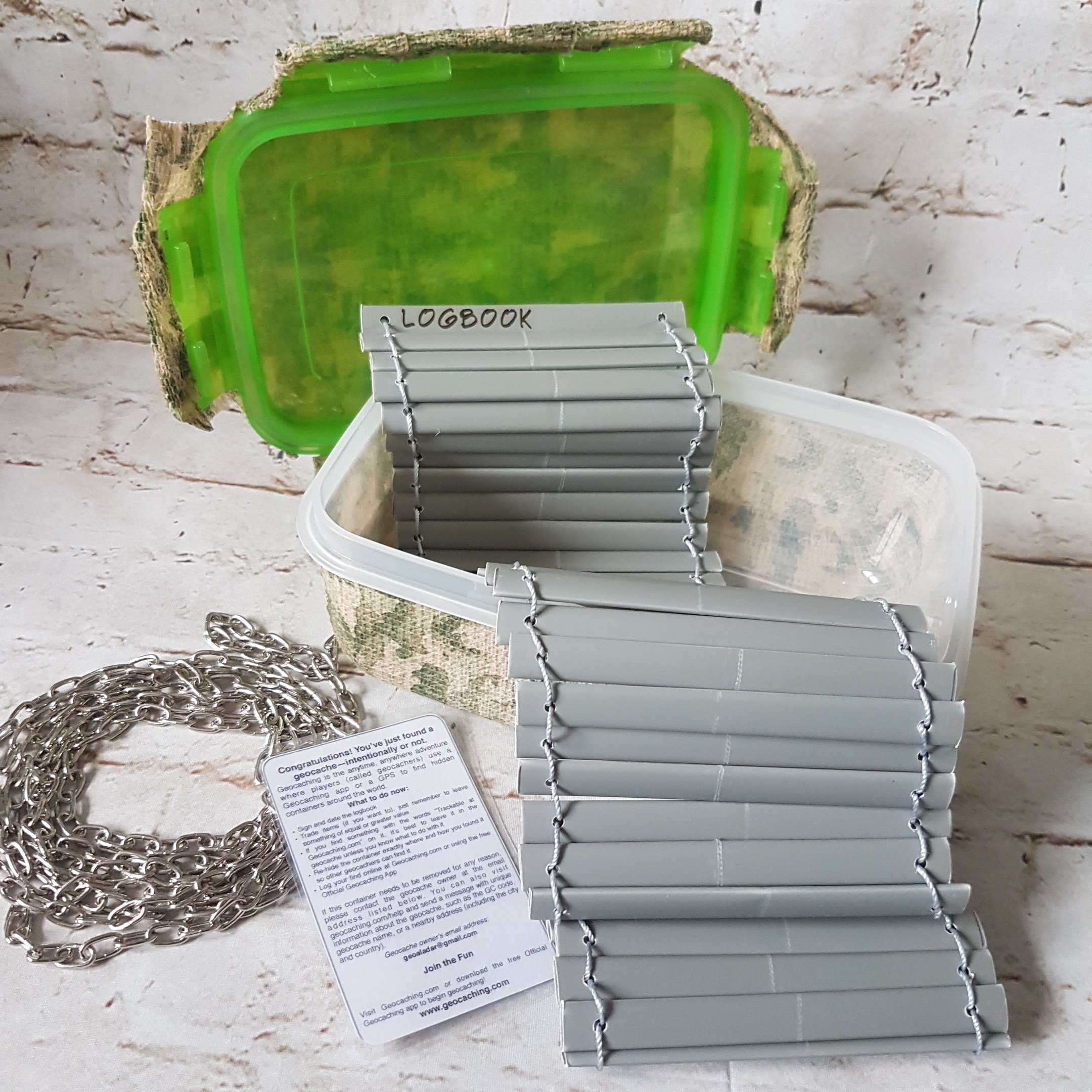 #Geocache container #camouflaged with a #chain, log rolled out - itstartswithacoffee.com #geocaching #DIY