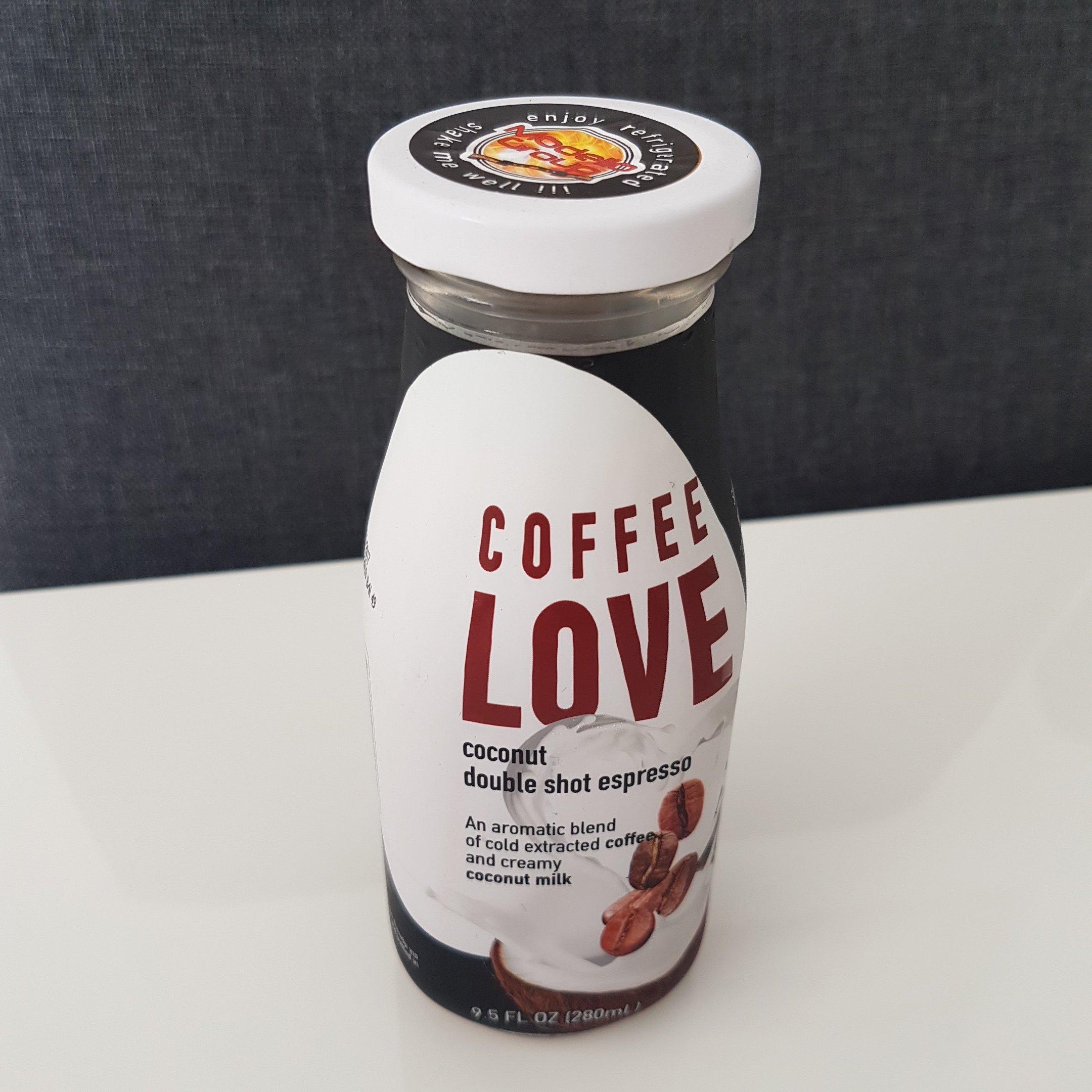 COFFEE LOVE - coconut double shot espresso - itstartswithacoffee.com - #coffee #coconut #espresso