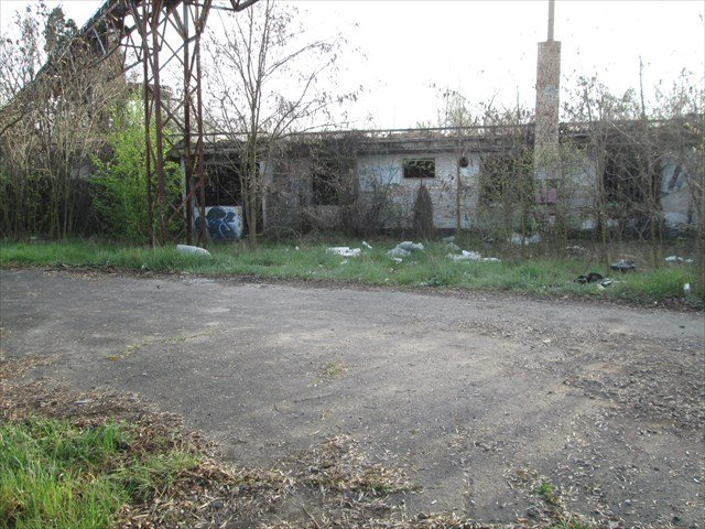 The abandoned building - itstartswithacoffee.com #geocache #geocaching #geocachingHungary #geocachinghide #ihideit #petling