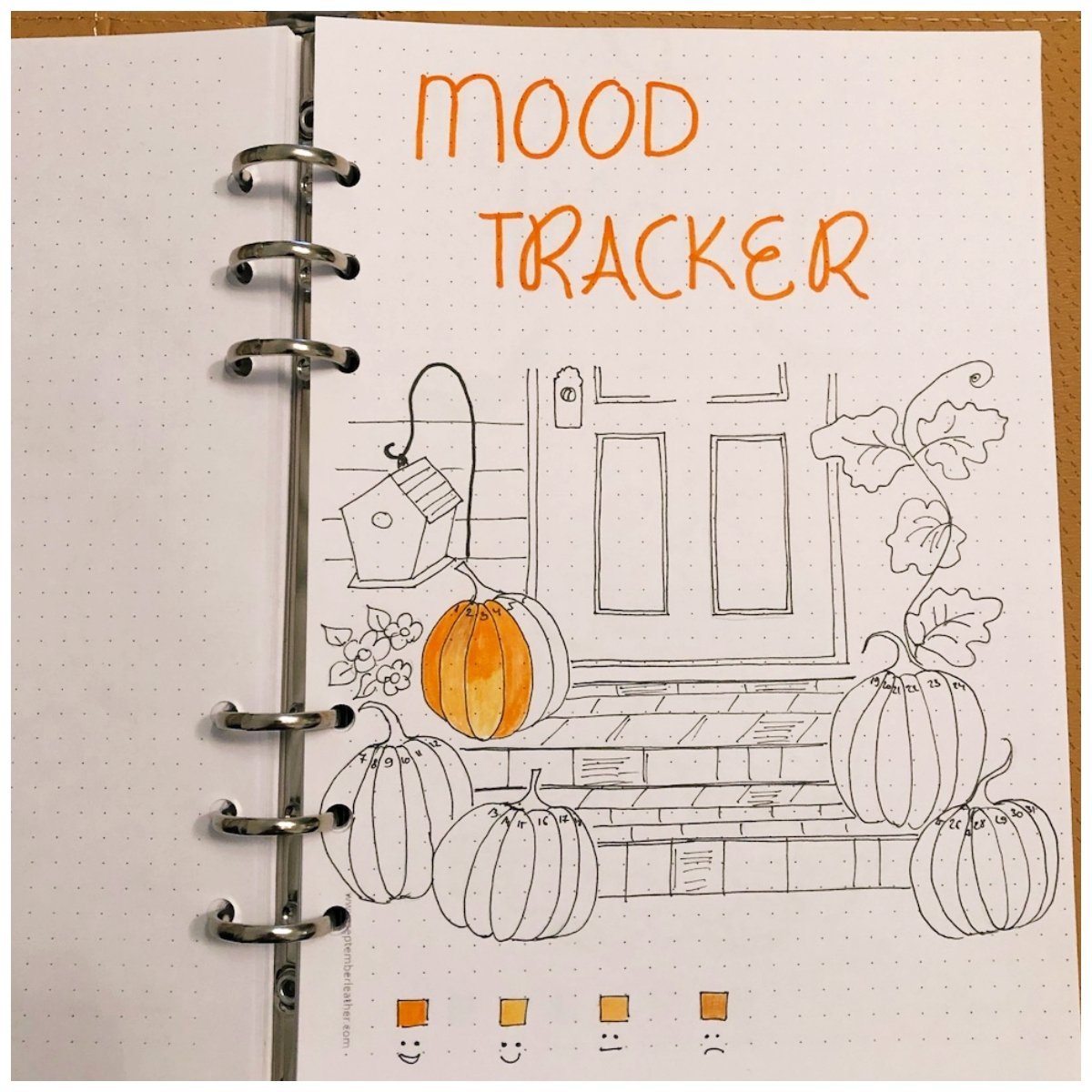 Pumpkin Mood Tracker for your Bullet Journal - itstartswithacoffee.com #bulletjournal #bujo #tracker #moodtracker