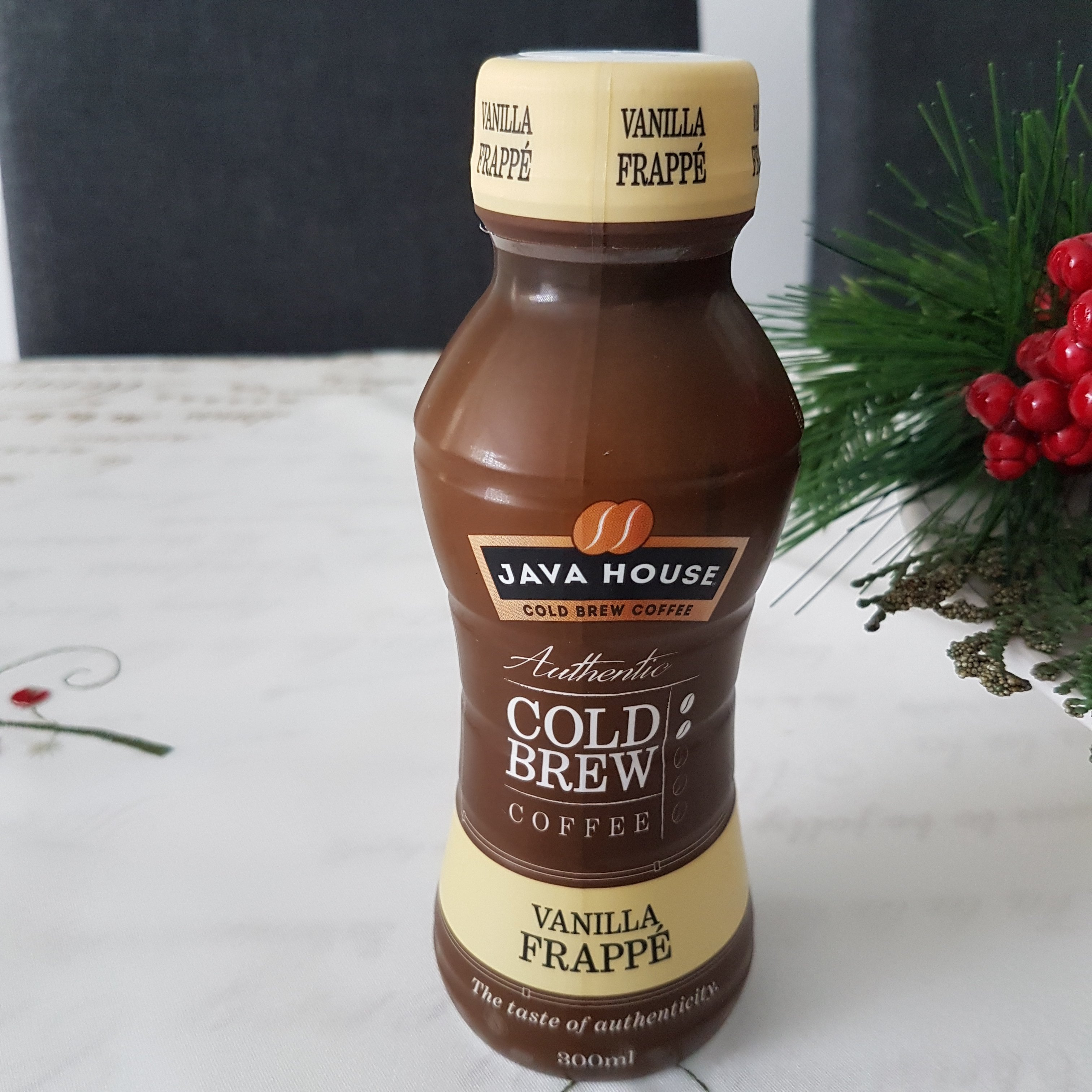 Java House Cold Brew Coffee - Vanilla Frappé - itstartswithacoffee.com #coffee #frappe #coldbrew