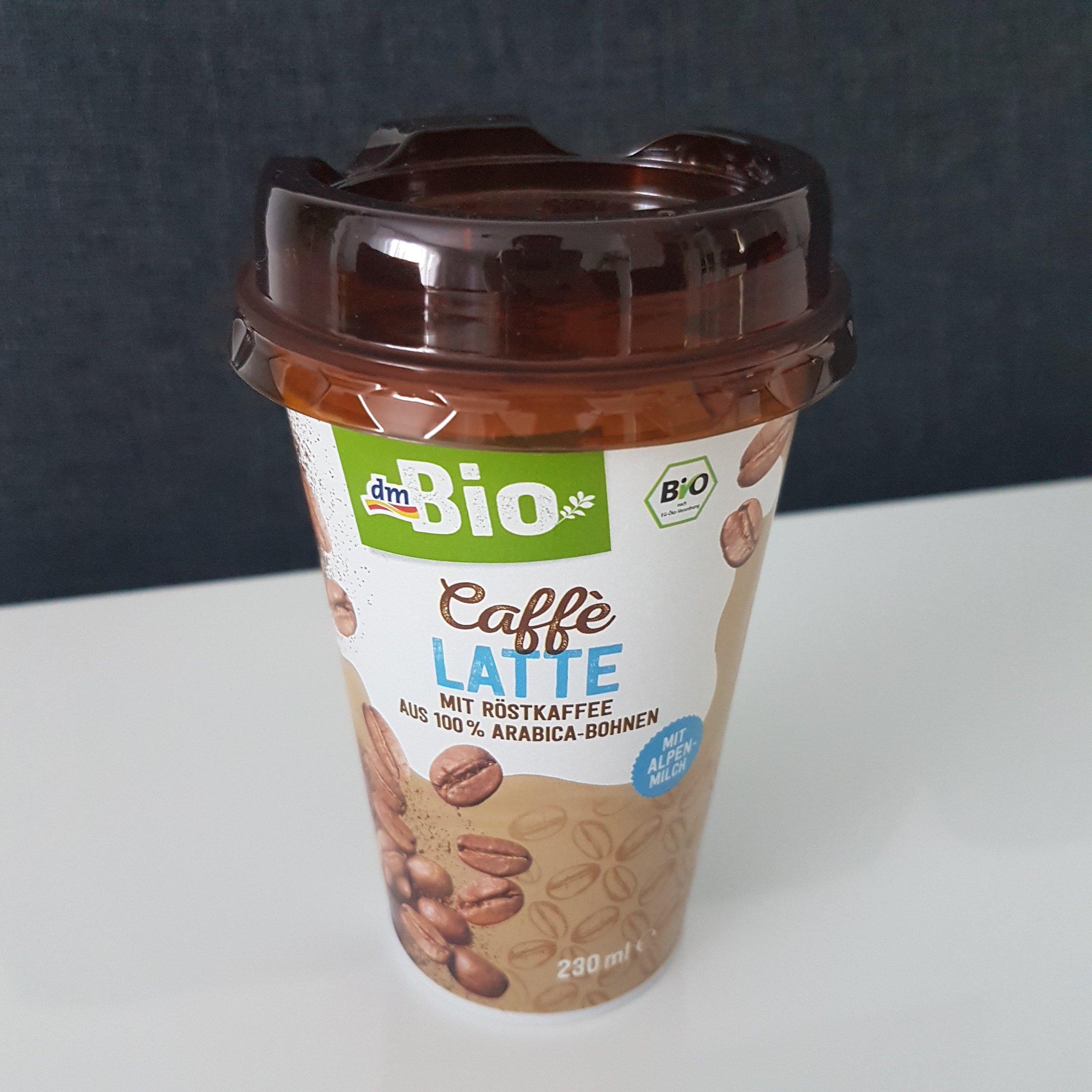 dmBio Caffè Latte - itstartswithacoffee.com #coffee #caffelatte #dm #dmBio #latte