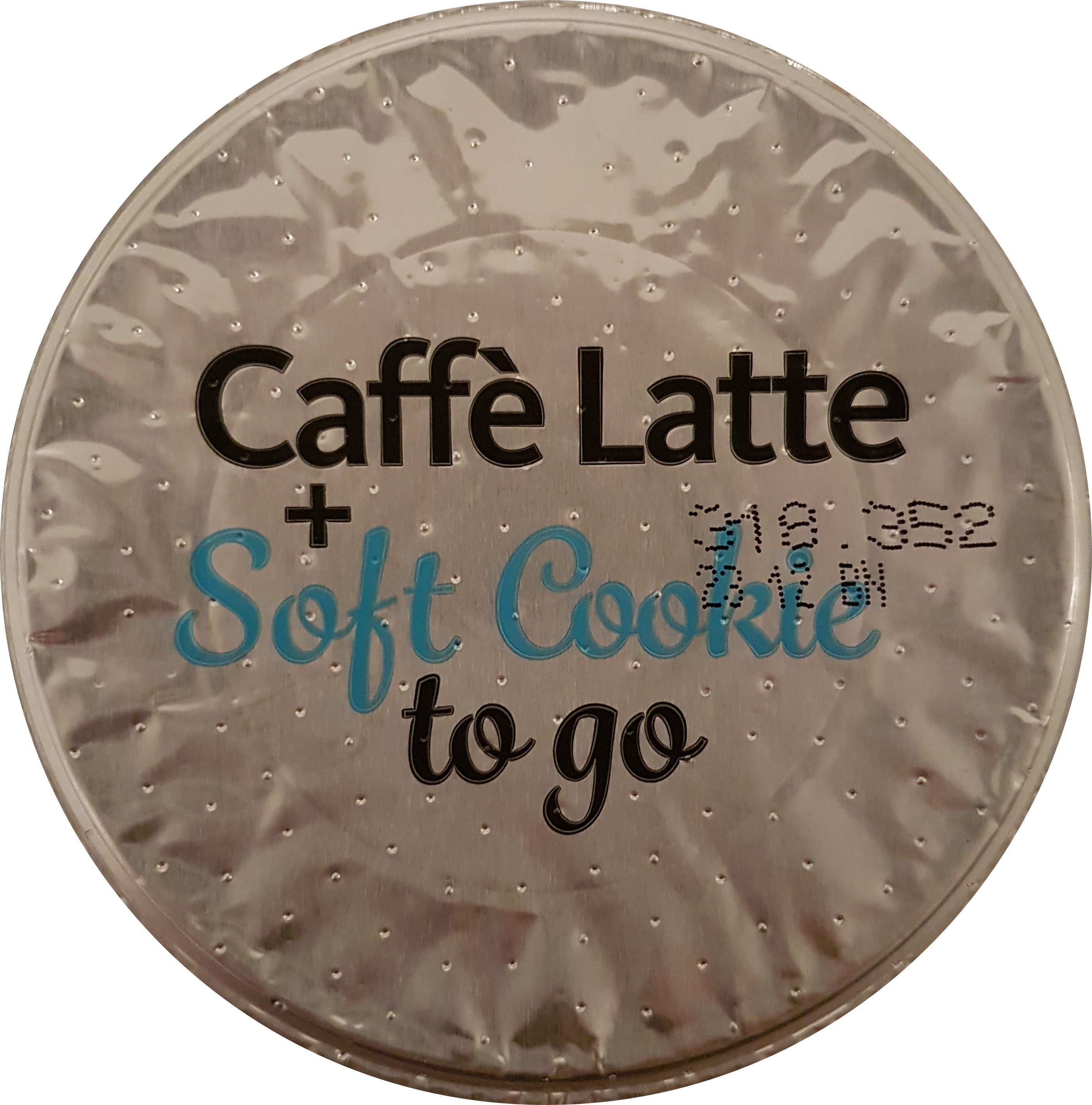 EDEKA — Caffè Latte + Soft Cookie - top - itstartswithacoffee.com #coffee #caffelatte #latte